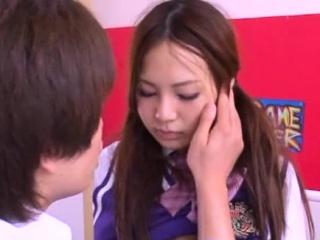 Attracting asian schoolgirl..