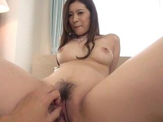 Hottest Japanese floosie Yui..