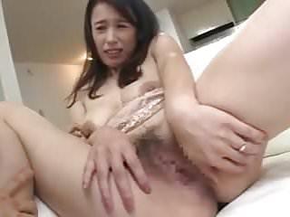 Shacking up japanese mommy..