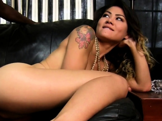 Seductive japanese Jayla doesn't want to stop dinky riding