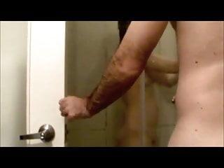 Yuki's   shower B.J.